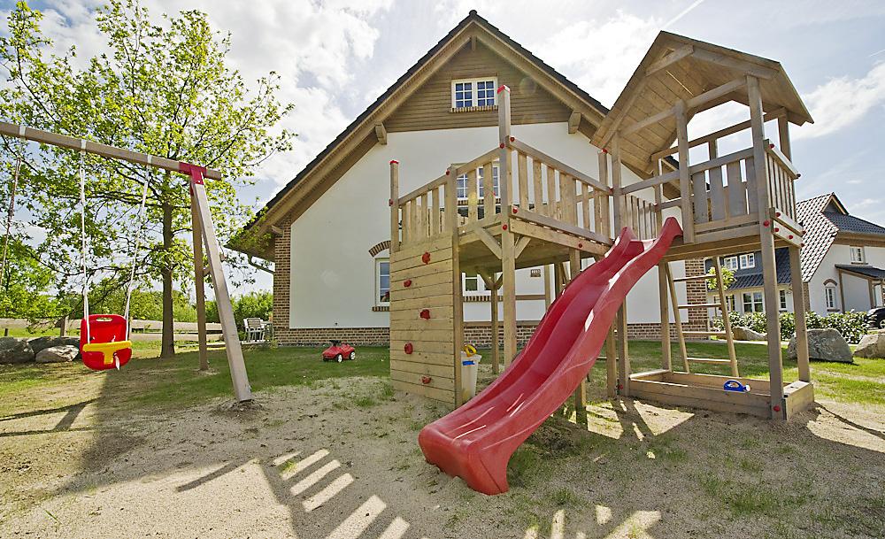 Hauseigener Spielplatz Ferienhaus Sellin Rügen